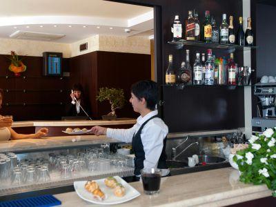 oc-hotel-villa-adriana-common-areas-002
