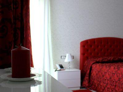 oc-hotel-villa-adriana-rooms-006