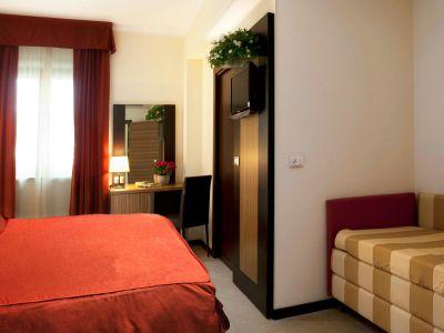 oc-hotel-villa-adriana-rooms-011