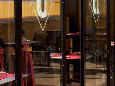 oc-hotel-villa-adriana-common-areas-008