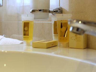 oc-hotel-villa-adriana-rooms-010