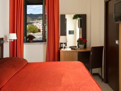 oc-hotel-villa-adriana-rooms-012