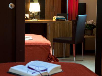 oc-hotel-villa-adriana-rooms-013