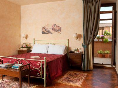 oc-hotel-villa-adriana-rooms-016