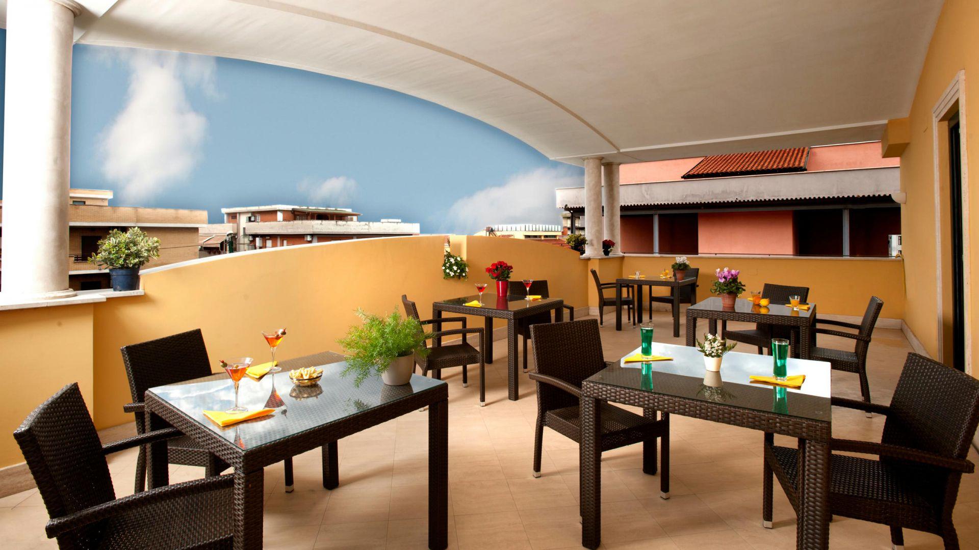 oc-hotel-villa-adriana-external-004